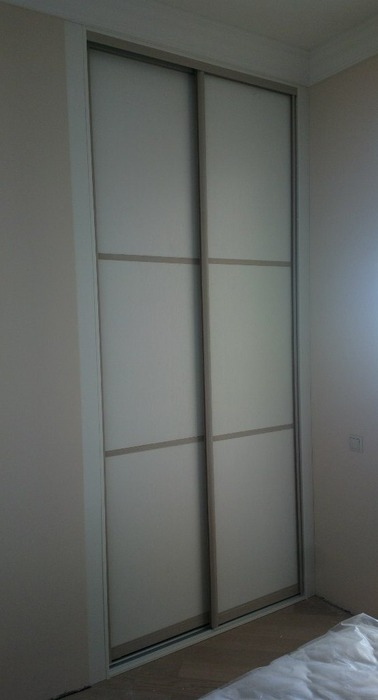 Белые шкафы-купе-Шкаф-купе из ЛДСП «Модель 202»-фото1