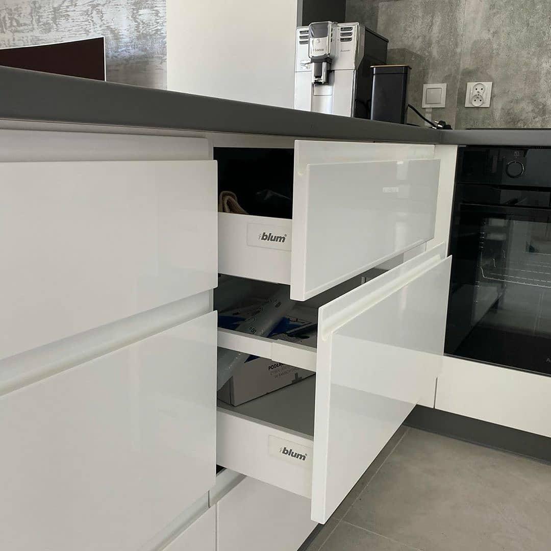 Белый кухонный гарнитур-Кухня МДФ в эмали «Модель 627»-фото5
